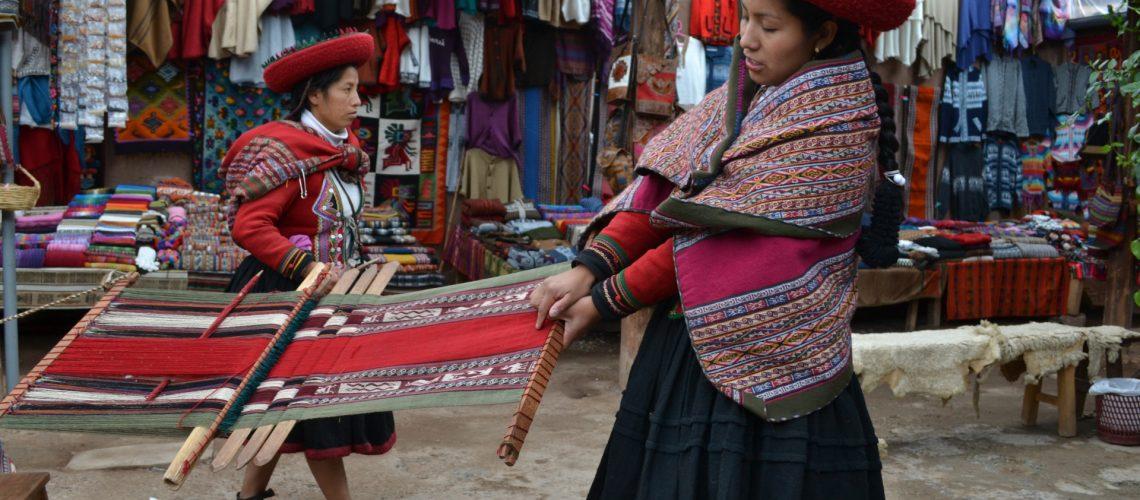 Indigenous_Women_in_Sacred_Valley_Peru