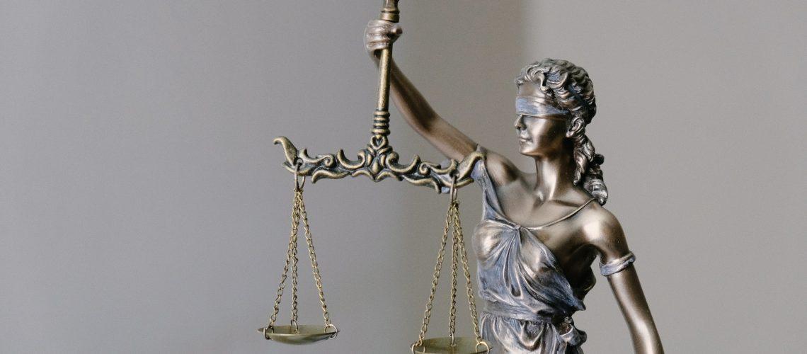 lady-justice-statue_rand_aPSiDL6TEM